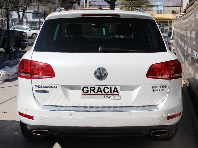 VOLKSWAGEN TOUAREG 4.2 TDI V8 AT 2015  - GRACIA AUTOS