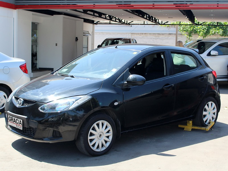 MAZDA 2 1.5 AUT 2009  - GRACIA AUTOS