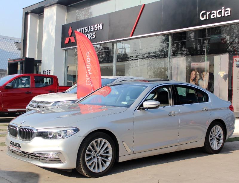 BMW 530 2.0iA LUXURY LINE 2018  - GRACIA AUTOS