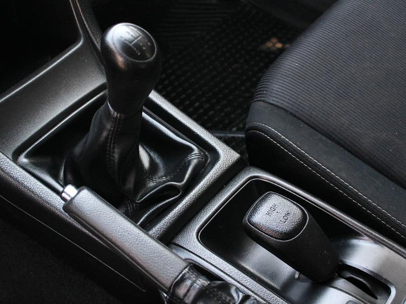 SUBARU XV MT AWD 1.6i 2015  - GRACIA AUTOS