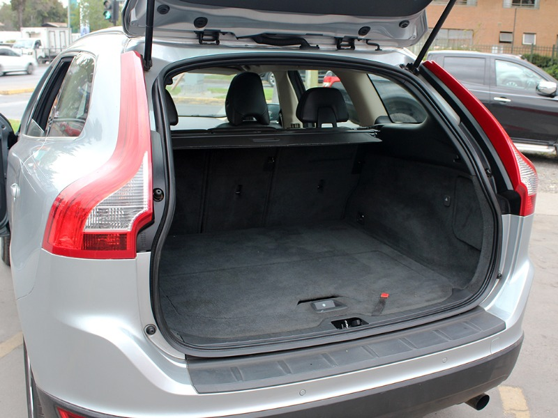 VOLVO XC 60 PLUS 2.0T AT 2011  - GRACIA AUTOS