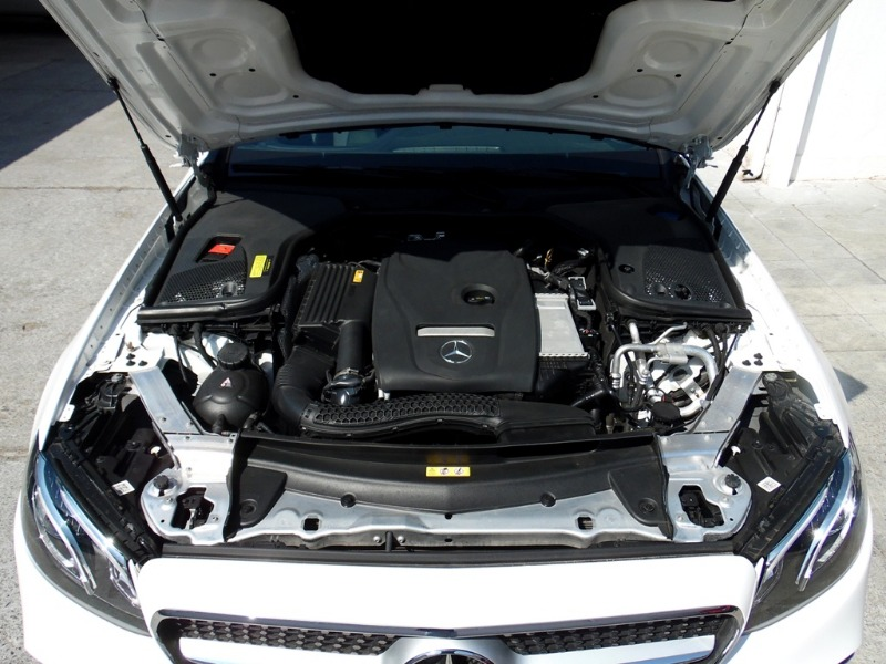 MERCEDES-BENZ E300 Coupé 2.0 Aut 2018 Look AMG - FULL MOTOR