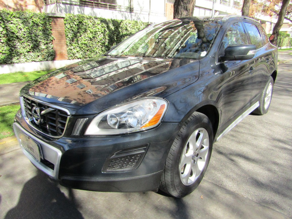 VOLVO XC 60 D5 Comfort 4x4 DIESEL  2013 6 Airbags, abs, climatizador. crucero.  -