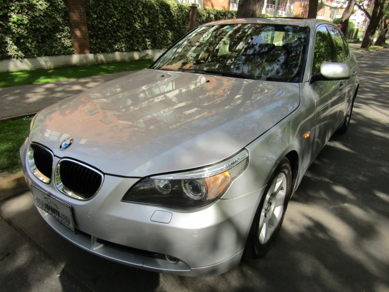 BMW 525 525 IA Aut. cuero sunroof 2005 Maximo equipo. IMPECABLE. Mantencion al dia. W.B.M - FULL MOTOR