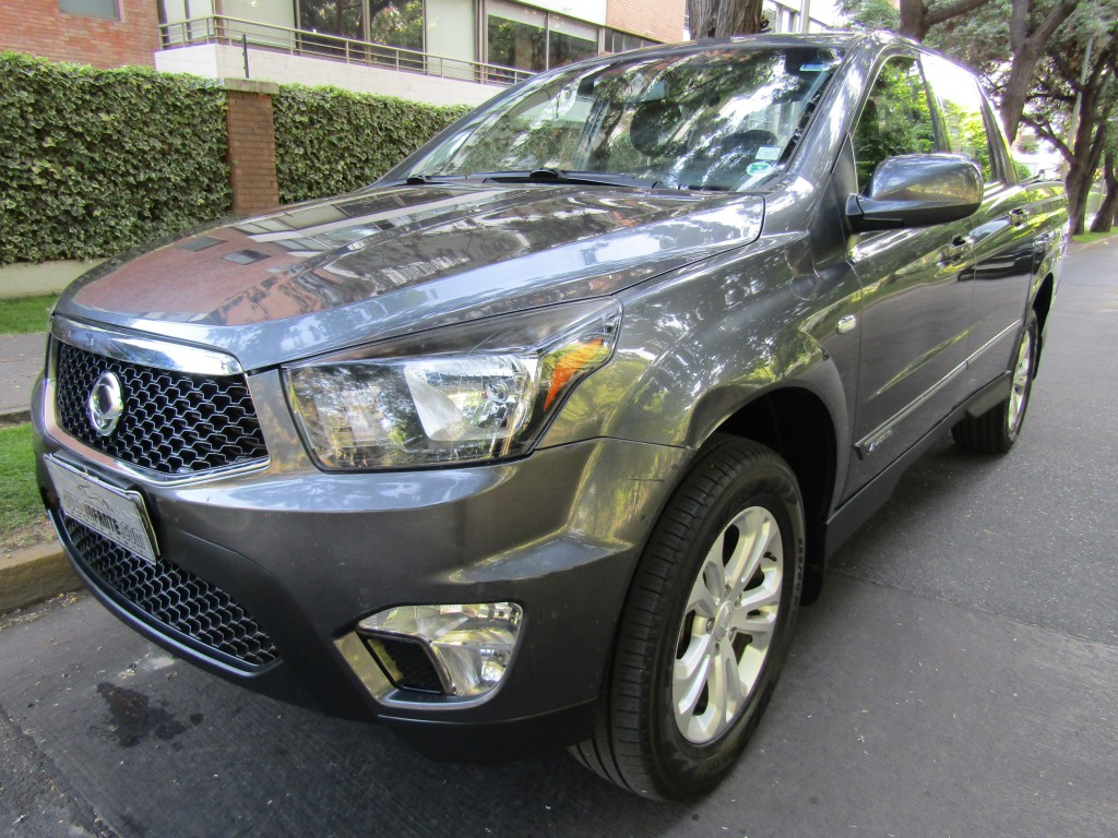 SSANGYONG ACTYON SPORT 4x4 automatica, DIESEL 2016 Sunroof,airbags abs, llantas 18 1 dueño.   - FULL MOTOR
