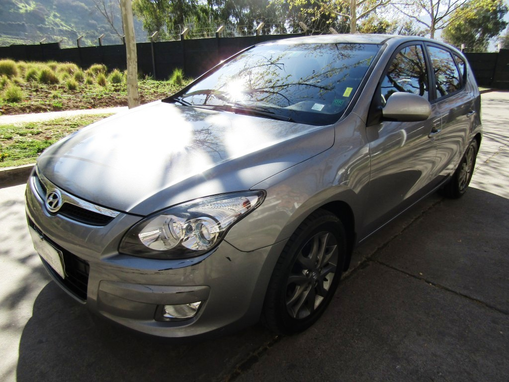 HYUNDAI I30 1.6 GLS Automatico 2012 2 dueños, 2 llaves. aire, airbags, IMPECABLE.  -