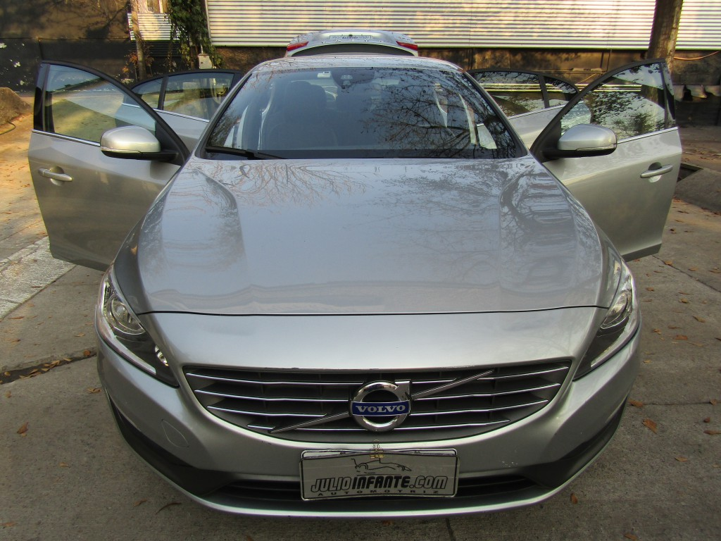VOLVO S60 D2 Comfort DIESEL 2014 Autom tiptronic, 10 airbags abs. Muy lindo.  - FULL MOTOR