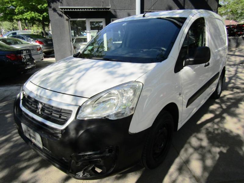PEUGEOT PARTNER 1.6 HDI 5 puertas 2019 Diesel, aire, 2 airbags, Perfecto estado.  - JULIO INFANTE