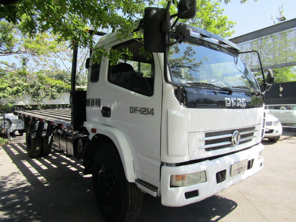 DONGFENG DF-1214 8 a 10 mil kg.  Impecable.  2011 valor 12.990.000 MAS IVA  - FULL MOTOR