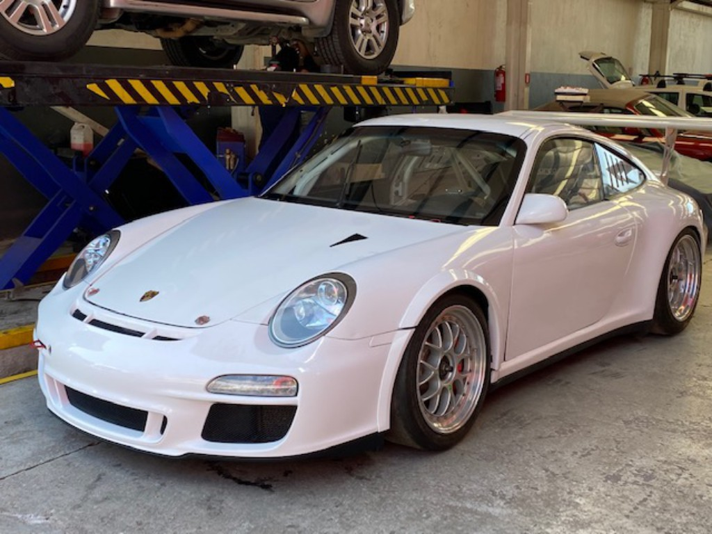 PORSCHE GT3 Cup 3.8 de competicion 2011 MKII 450 hp. Paddle shift 6 veloc.  -