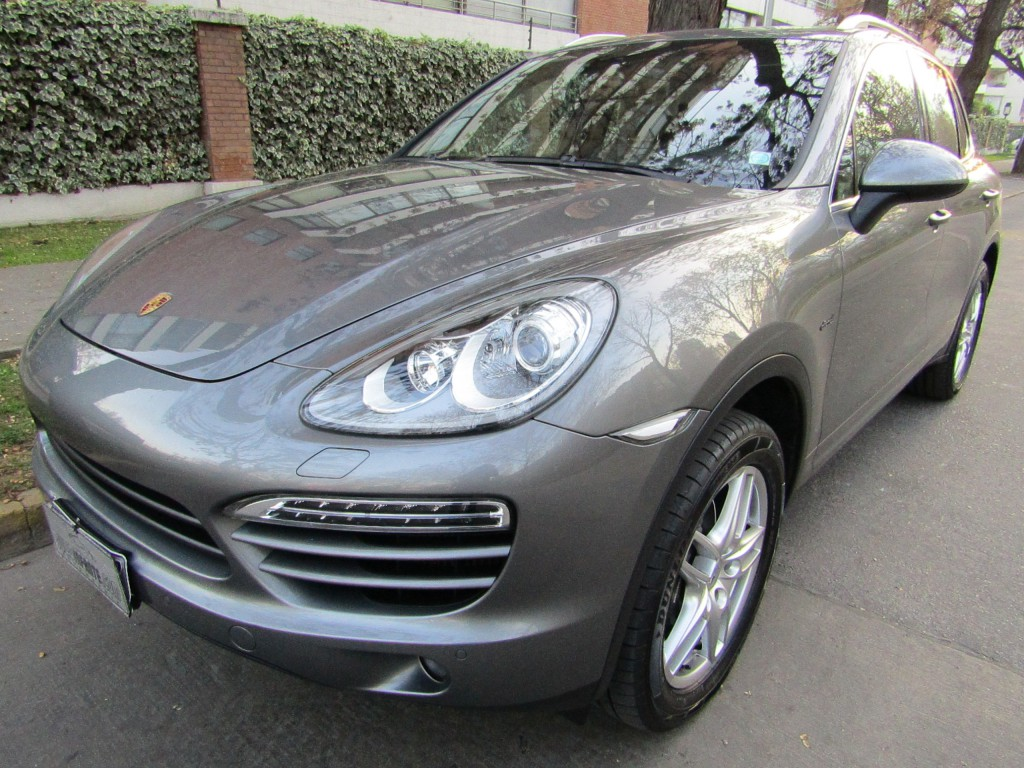 PORSCHE CAYENNE Turbo DIESEL 3.0 Awd.  2015 Cuero, sunroof panoramico. 2 llaves, IMPECABLE.  -