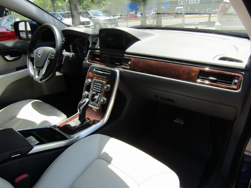 VOLVO XC 70 T6 Awd cuero Tiptronic  2013 cuero, sunroof, airbag, climatiz, abs, mantencione - FULL MOTOR