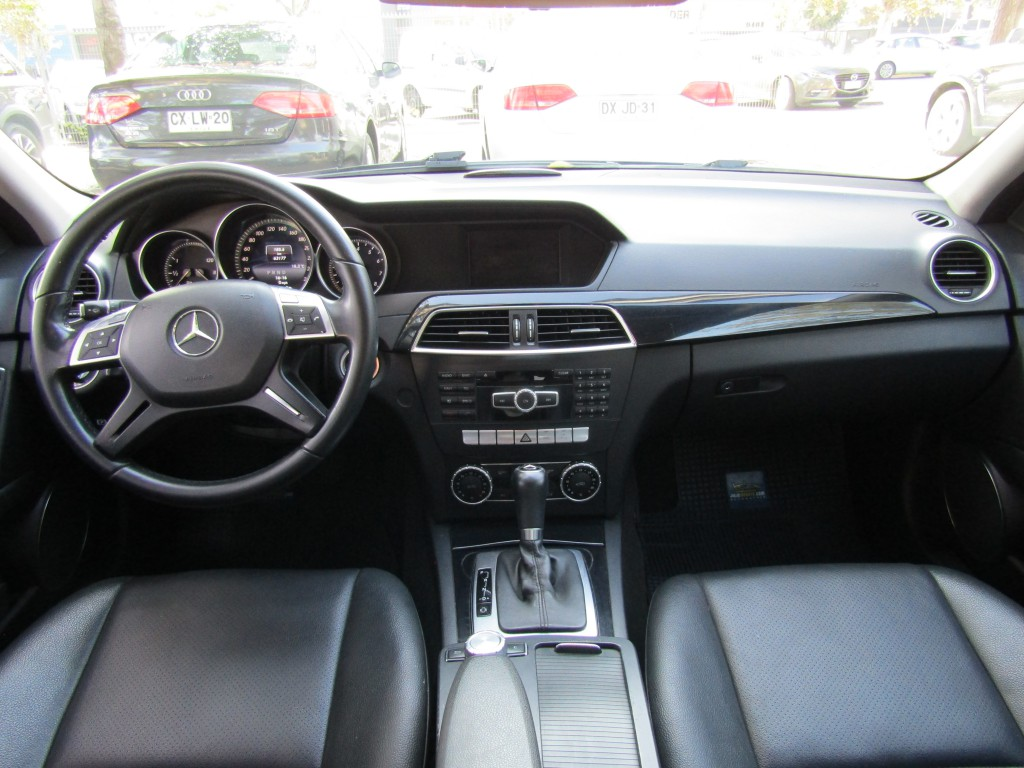 MERCEDES-BENZ C180 CGI Blue efficiency   2014 63 mil km. impecable  - FULL MOTOR