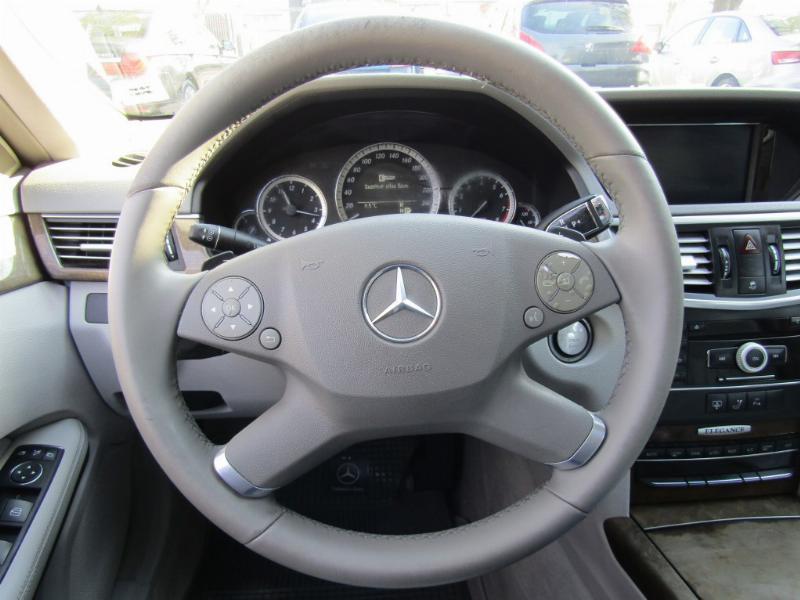MERCEDES-BENZ E500 Elegance 5.5 V8 406 hp cuero 2011 Doble techo. 1 dueño. Atendido solo Kaufmann - FULL MOTOR