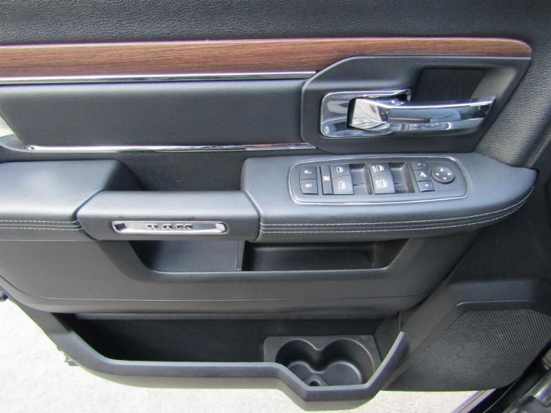 DODGE RAM 1500 Laramie 5.7 4x4 cuero 2014 sunroof, 42 mil km. Neumaticos nuevos.  - FULL MOTOR