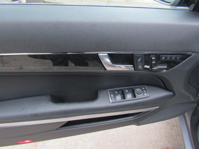 MERCEDES-BENZ E350 Cabriolet 4 asientos  2012 GGI Elegance, cuero, techo eléctrico.  - FULL MOTOR