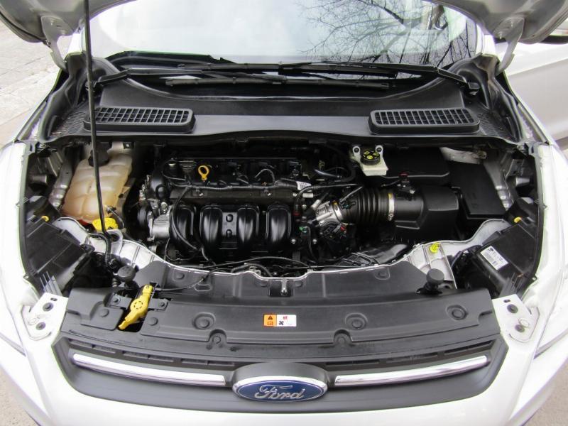 FORD ESCAPE Ford Escape 2.5  4X2 Aut. 2016 Cuero tela, Mantención recién hecha.  - FULL MOTOR