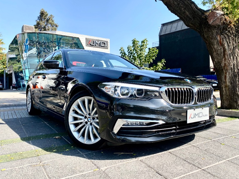 BMW 530 LUXURY 3.0 DIESEL 2019 MANTENIMIENTO AL DÍA - FULL MOTOR