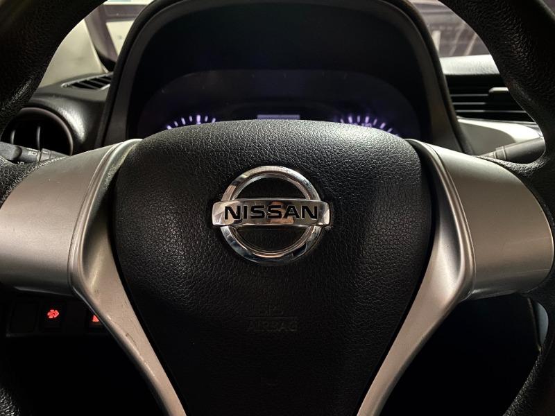 NISSAN NP300 SE DIESEL 4x4 2017 SEIS CAMBIOS - FULL MOTOR