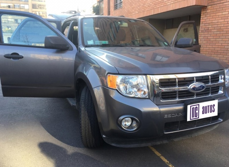 FORD ESCAPE XLT 2.5 AT 4X2 2011 Perfectas condiciones - FULL MOTOR