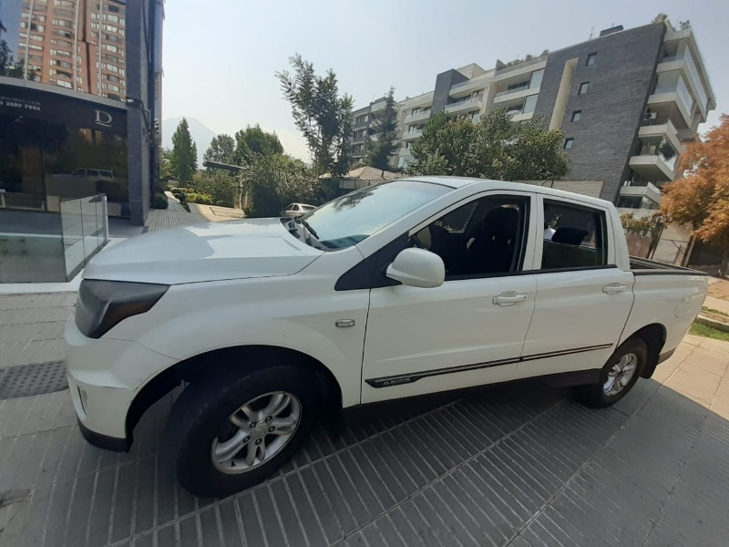 SSANGYONG ACTYON SPORT 2.0D 4WD 2015 Excelente oportunidad - FULL MOTOR