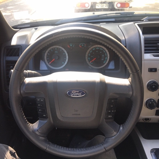 FORD ESCAPE 2.5 XLT Auto 4X2 2012 Excelente Oportunidad - FULL MOTOR