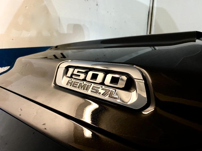 RAM 1500 LARAMIE HEMI 5.7 2019 DESCUENTA IVA UN DUEÑO - FULL MOTOR