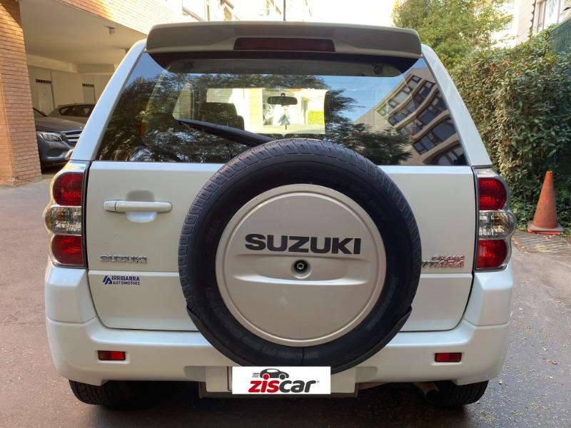 SUZUKI GRAND VITARA 2.4 GLX SPORT 4X4 AT 2013 Coordinar visita - contacto@ziscar.cl - FULL MOTOR